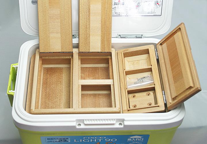 フィクセル9Lクーラー用エサ箱セット50篭定別注です。クーラー取付用のオリジナル木製ステー1個・ビス4本付きです。