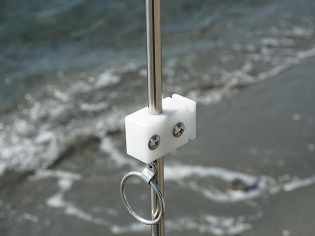 遠州灘スペシャルIIに篭定エサ箱ホルダー(直径10mmのサンドポール取付用)を取り付けました。